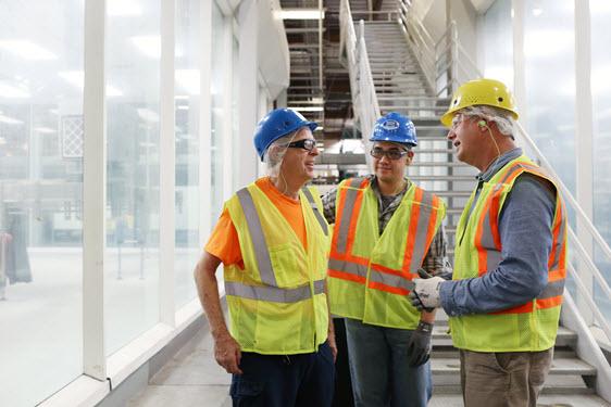 Mitarbeiter von Nestlé Waters in der Fabrik in Ontario